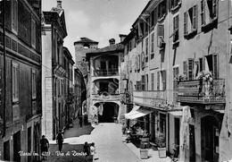 Cartolina Varzi Via Di Dentro Animata Case Anni '60 (Pavia) - Pavia