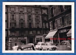 """Photo Ancienne Snapshot - PARIS - Rue / Quartier à Situer - Magasin PARIS MEDOC - """" L' ENSEIGNE """" - Automobile Auto - Automobili"""