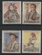 TCHECOSLOVAQUIE N° YT 816 à 819 (MI 921 à 924) Neufs ** MNH Cote 60 € Costumes Régionaux. TB - Unused Stamps