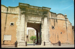 Republica Dominicana - Circa 1980 - Carte Postale - Santo Domingo - Entrada Principal A La Torre De Homenaje - A1RR2 - Repubblica Dominicana
