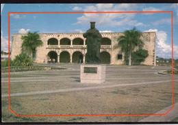 Republica Dominicana - Circa 1980 - Carte Postale - Estatua De Isabel La Catolica Y Alcazar De Colon - A1RR2 - Repubblica Dominicana