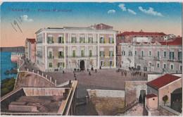 TARENTE (TARENTO) - Place De La Mairie  (Piazza Municipio) - - Taranto