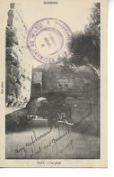 TAZA Maroc Sur Cpa Une Porte Cachet Violet 2° Régiment De Spahis 1920    ....G - Covers & Documents