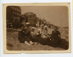 Snapshot Groupe Famille Plage Beach 10s 20s Id HEYST Sur Mer BELGIQUE Plage Maillot Elegance Mode Fashion - Lieux