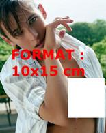 Reproduction D'une Photographie D'un Portrait De La Jeune Sophie Marceau En Soutien-gorge Sous Une Chemise Ouverte - Reproducciones