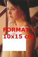 Reproduction D'une Photographie D'un Portrait De La Jeune Sophie Marceau Nue Sous Un Haut Mouillé Et Transparent - Reproducciones
