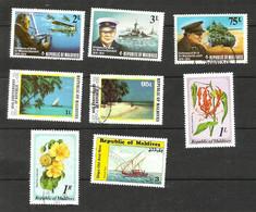 MALDIVES N°504, 505, 509, 733, 738, 776, 779, 1014 Cote 5.75 Euros - Maldiven (1965-...)