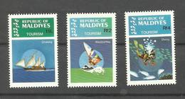 MALDIVES N°961, 963, 964 Neufs** Cote 5 Euros - Maldiven (1965-...)