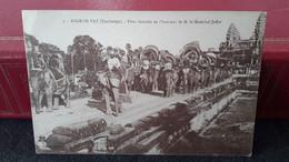 Cp ASIE : CAMBODGE  :ANGKOR VAT : Fête Données En L Honneur Du Maréchal JOFFRE  Défilé  D Elephant - Cambodia