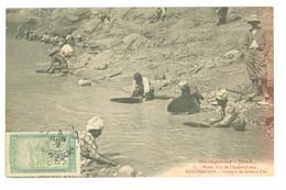 MADAGASCAR - NORD - Mines D'or De L'Andavakoera - RANOMAFANA - Groupe De Laveurs D'or (beau Timbre) - Bergbau