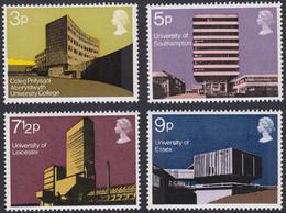 GRANDE-BRETAGNE, 1971, Architecture, Université (Yvert 646 Au 649 ) - Unused Stamps