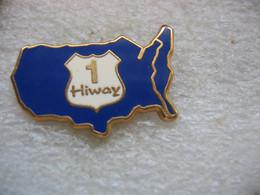 Pin's Route (ou U.S. Highway), Route Ou Une Autoroute Américaine Numérotée Et Généralement Gratuite. Embleme Route 66 - Cities