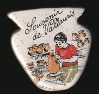 72939- Pin's. Poterie De Vallauris.terre Cuite. - Cities