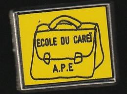 72946- Pin's.Ecole élémentaire Caréi à Menton.n° 10 - Cities