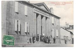 FLORAC . - Le Palais De Justice - Sortie De L'audience . - Florac