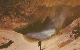 Yellowstone Park, Wyoming, USA, CAVE CRATER HOT WATER, Un Cratère D'eau  Chaude , By W.A.Krueger Co. - Yellowstone