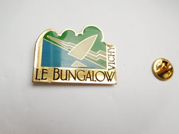 Beau Pin's , Restaurant Le Bungalow , Vichy , Allier  , ATTENTION : Pointe Recollée - Cities
