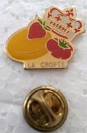 Pin's - Villes - LA CROPTE - 24 - PASQUET - (CL. 2) - - Cities