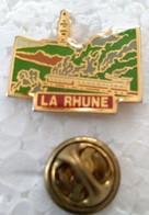 Pin's - Villes - LA RHUNE - 64 - Pays Basque - Petit Train De La Rhune - (CL. 2) - - Cities