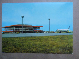AEROPORT / AIRPORT / FLUGHAFEN     BRATISLAVA - Aérodromes