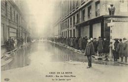 CRUE DE LA SEINE  PARIS  Rue Des Saints Pères Le 30 Janvier 1910 RV - Überschwemmung 1910