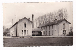 Rare CPM Années 1950 Fléac-sur-Seugne, Charente, Laiterie Coopérative Belluire-Fléac - Altri Comuni