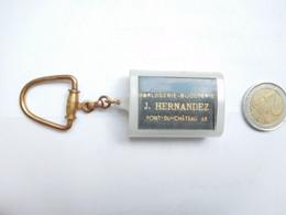 Beau Porte Clés , Horlogerie Bijouterie J. Hernandez à Pont Du Château , Puy De Dôme , Bracelet Fleurus à Vichy - Key-rings
