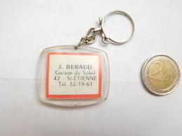 Beau Porte Clés , Garage Du Soleil J. Beraud à Saint Etienne , Pneu Uniroyal Englebert , Loire - Key-rings