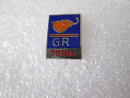 PIN'S    TOTAL   GR   Animaux  ELEPHANT - Fuels