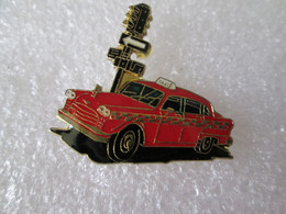 PIN'S   TAXI  CHECKER - Other