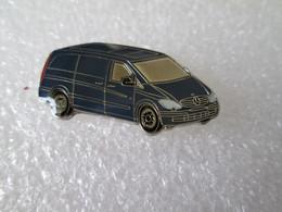 PIN'S    MERCEDES  BENZ    VITO - Mercedes