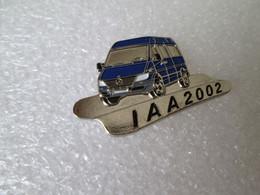 PIN'S    MERCEDES  BENZ    SPRINTER   IAA  2002 - Mercedes