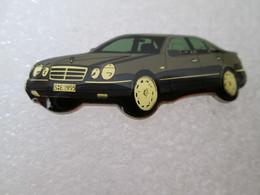PIN'S    MERCEDES  BENZ    CLASSE  E 1995 - Mercedes