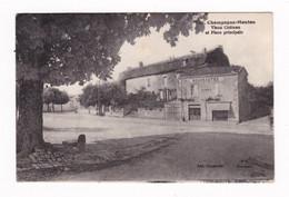 CPA Champagne-Mouton, Charente, Vieux Château, Place, écrite En 1941 - Altri Comuni