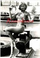 Strongwoman Jeanin Lionet Female Juggler Tears Telephone Books Cabaret Denmark Danish Artist Circus Danmark - Artistas