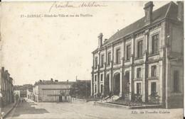 - 16 - JARNAC - Hôtel De Ville Et Rue Du Portillon - Jarnac