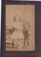 """Photo Sur Carton  ( 10.5 X 6 Cm ) """" Couple D'enfants """" Photographe Herbert, Amiens - Oud (voor 1900)"""