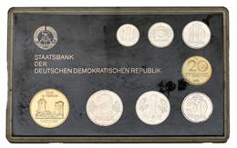 DDR: 1985, Kursmünzensatz In Offener Schwarzer Plastikhülle In Stempelglanz. Die Auflage Ist Nur 6.0 - Ohne Zuordnung