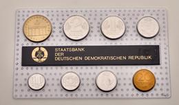 DDR: 1988, Kursmünzensatz In Kunstoffhülle Mit Kartonstreifen In Stempelglanz. - Ohne Zuordnung