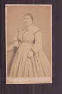 "Photo Sur Carton  ( 10 X 5.5 Cm ) "" Femme Gironde En Robe Longue "" Photographe Jamin, Paris - Oud (voor 1900)"
