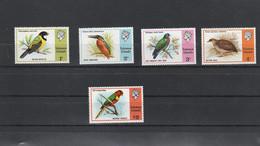 Salomon Solomon - Yvert  297 à 300 + 311  ** - Oiseaux - Solomoneilanden (1978-...)