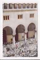 CP ALGERIE ALGER Fete De L'independance Rendez Vous Des Femmes à La Grande Poste Attendant Le Défilé De L'A.L.N - Algiers