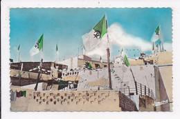 CP ALGERIE ALGER Fete De L'independance Les 3 Couleurs Vert Blanc Rouge Dominent La Casbah - Algiers