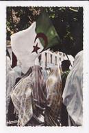CP ALGERIE ALGER Fete De L'independance Femmes Et Drapeau - Algiers