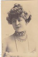 """ARTISTE .THEATRE.CPA. ANNÉES 1900."""" VALENTINE PETIT """". COLLIER. MODE. PHOTO D'ART REUTLINGER 1901 PARIS . - Künstler"""