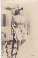 """ARTISTE .THEATRE.CPA . ANNÉES 1900."""" NEBBIA """". PROFIL. COIFFURE. PHOTO D'ART REUTLINGER PARIS . - Künstler"""