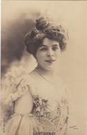 """ARTISTE .THEATRE.CPA .ANNÉES 1900."""" LANTHENAY """".COIFFURE . PHOTO D'ART REUTLINGER PARIS . - Künstler"""