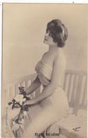 """ARTISTE. THEATRE.CPA .ANNÉES 1900."""" ELISE DE VERE """".PROFIL. BEAUTE. MODE . PHOTO D'ART REUTLINGER PARIS . - Künstler"""