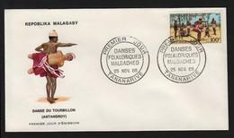 Madagascar  TANANARIVE  25 Novembre 1968   Sur N° Yv PA 107, FDC,  Danse Du Tourbillon - Antandroy - Madagaskar (1960-...)