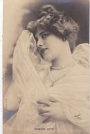 """ARTISTE .THEATRE.CPA. ANNÉES 1900."""" MANON LOTY """". BEAUTE. MODE.COIFFURE .PHOTO D'ART REUTLINGER .PARIS . - Künstler"""